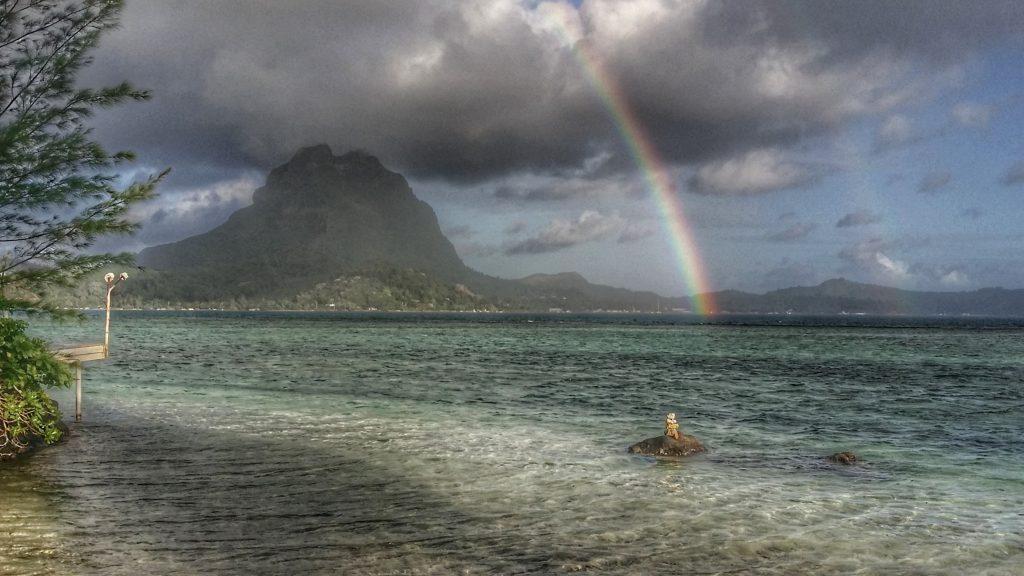 Bora Bora - Regenbogen