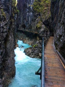 Leutaschklamm in Bayern & Tirol - TOP Ausflugsziel für Deutschland & Österreich